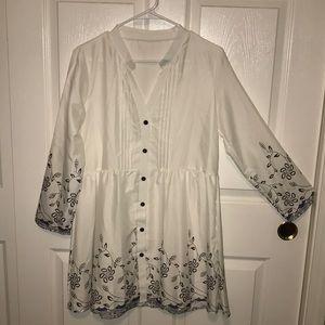 Women's White Long-Sleeved Tunic